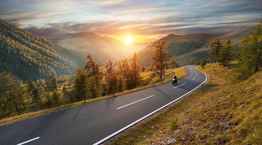 Özgürlüğün peşinde: Motosikletle gezilecek yerler