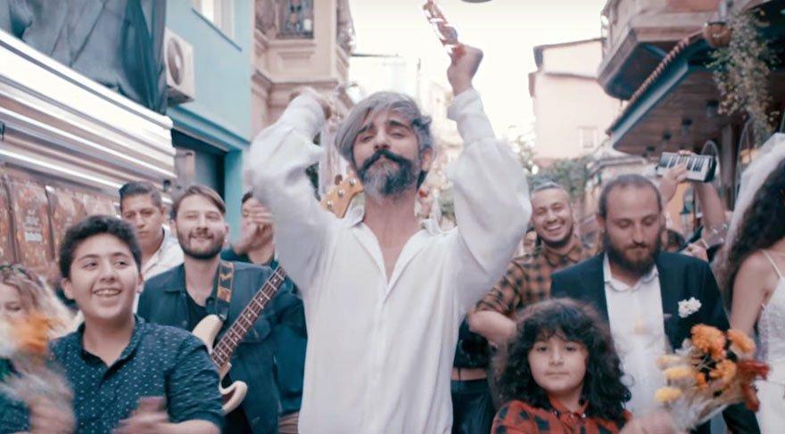 Manuş Baba'nın 'Eteği Belinde' şarkısıyla ilgili 'çalıntı' iddiası