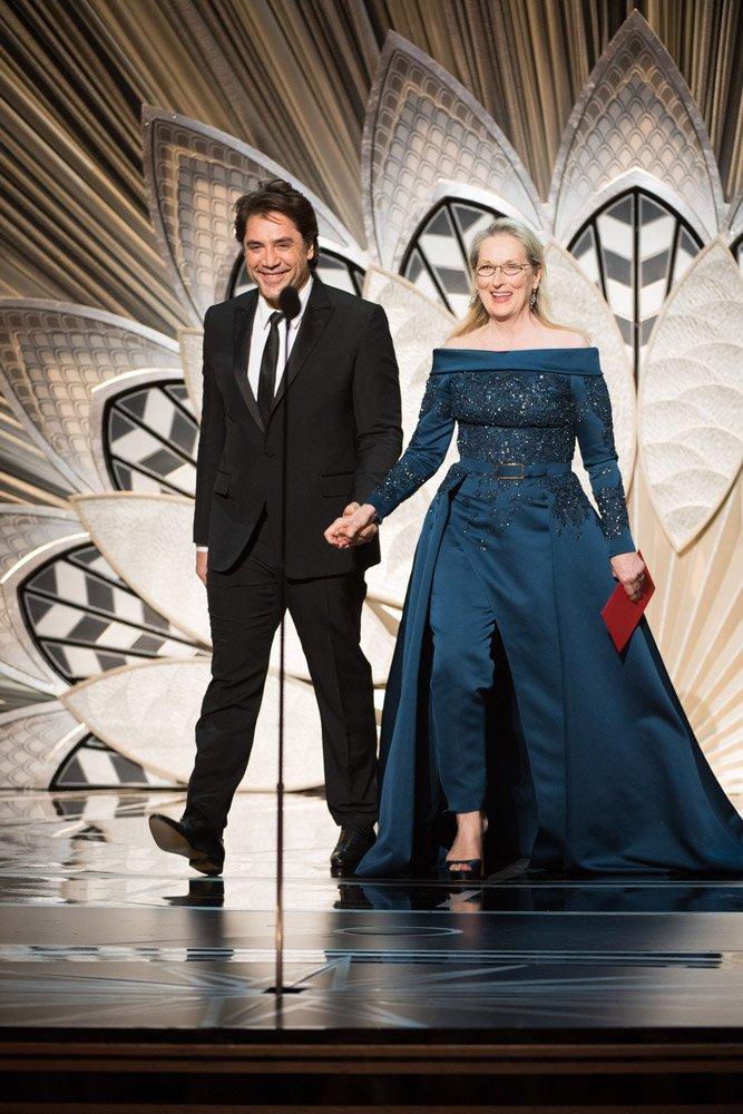 Oscar'lı oyuncu Meryl Streep, Elie Saab seçimiyle 5'inci sırada...