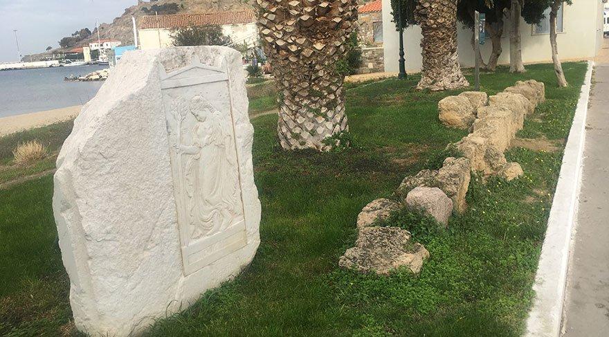 O ilçe, Baltacı Mehmet Paşa'nın mezarını istiyor