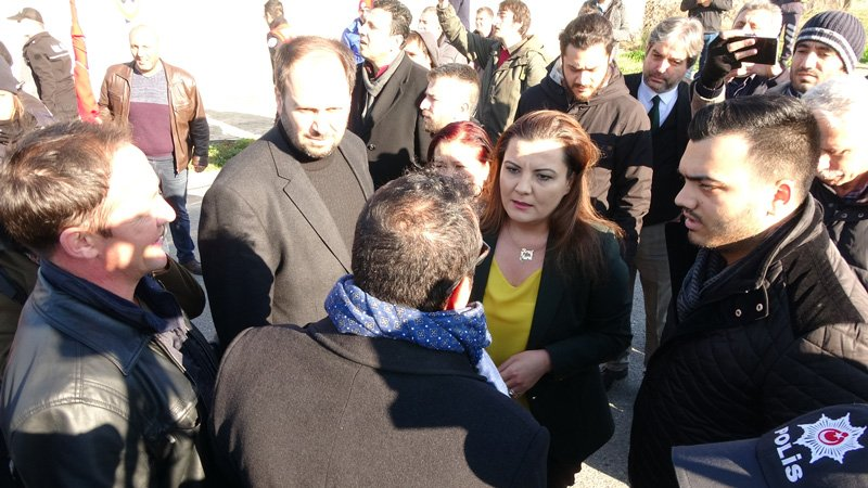 FOTO:DHA CHP Kocaeli Milletvekili Fatma Kaplan Hürriyet de yürüyüşe katıldı.