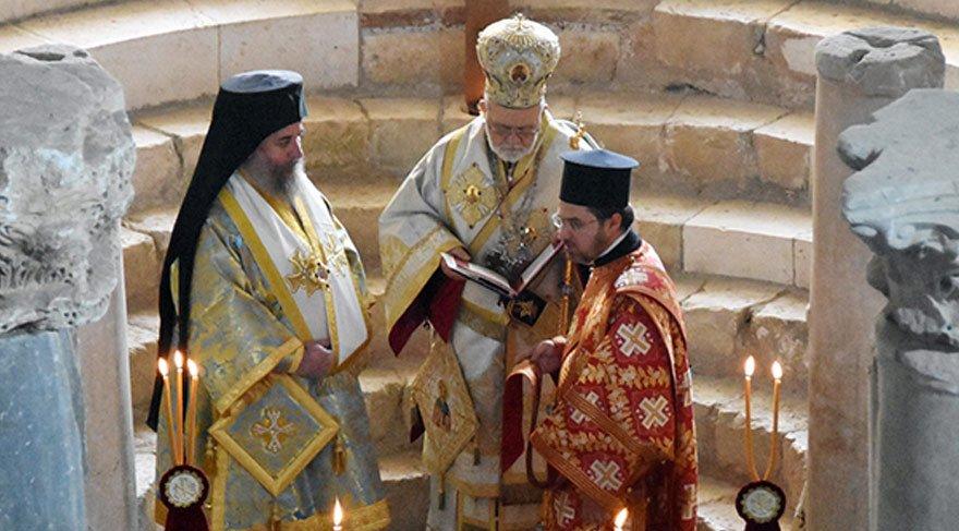 Noel Baba, mezarının bulunduğu Demre'de anıldı
