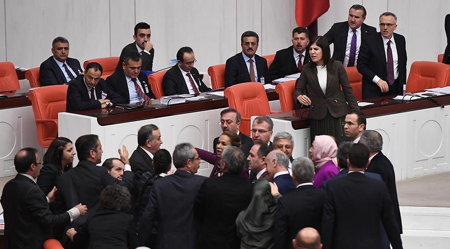 AKP'li Grup Başkanvekili İnceöz, HDP'li Paylan'ın üzerine yürüdü
