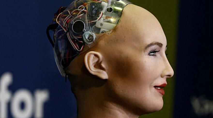 Yapay zeka robotu kadın hakları savunucusu oldu