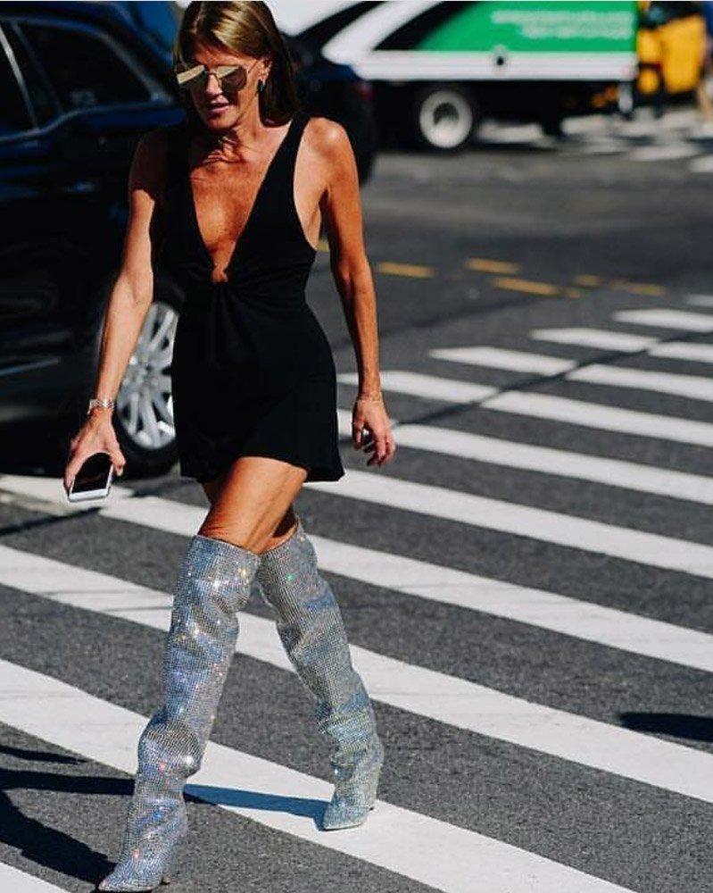 Yves Saint Laurent'in disko çizmeleri de uzun süre konuşulmuştu.