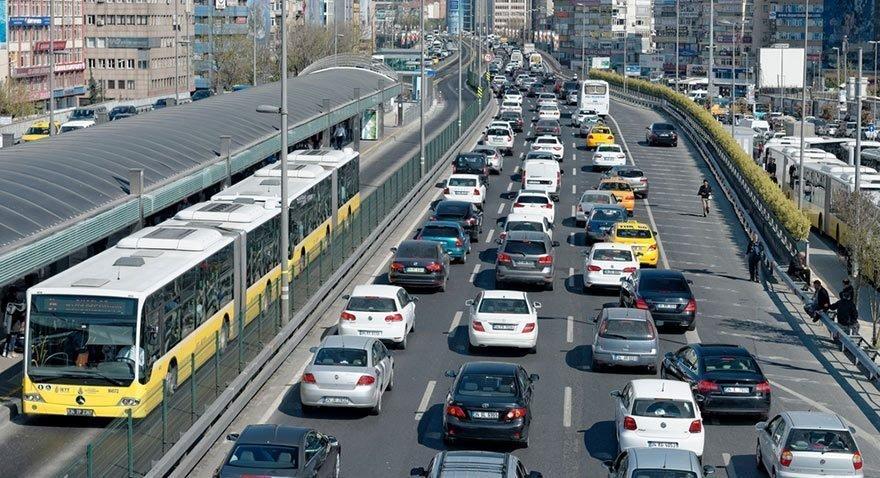 En yoğun trafik hangi şehirde? İzmir o saatlerde İstanbul'u geçti