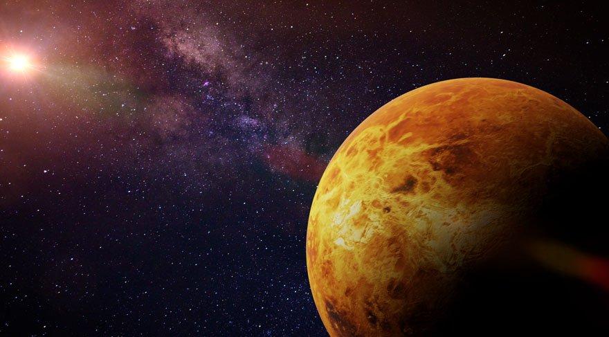 Venüs astrolojide temel olarak nasıl sevdiğimiz, nasıl aşık olduğumuz, nasıl değer verdiğimiz, birini nasıl etkilediğimiz, nelerden hoşlandığımız, ilişkilerden beklentilerimiz, çekim gücümüz, nelere değer verdiğimiz, estetik, sanat, yaratıcılıkla ilgili konular, kendi öz değerimiz hakkında bizlere bilgi verir.