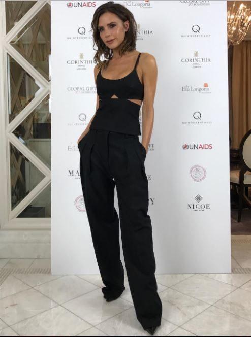 Victoria Beckham'ın 2018 İlkbahar Yaz koleksiyonundan seçilen pembe triko.