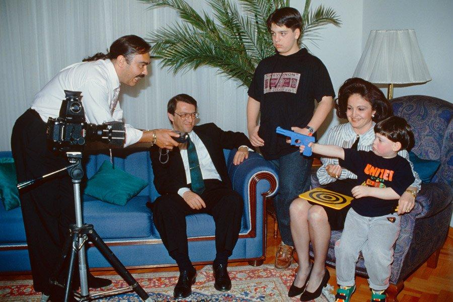 FOTO:Depophotos -Arşiv Yavuz Yılmaz (ayaktaki) Mesut Yılmaz Berna Yılmaz çiftinin 2 çocuğundan birisiydi.
