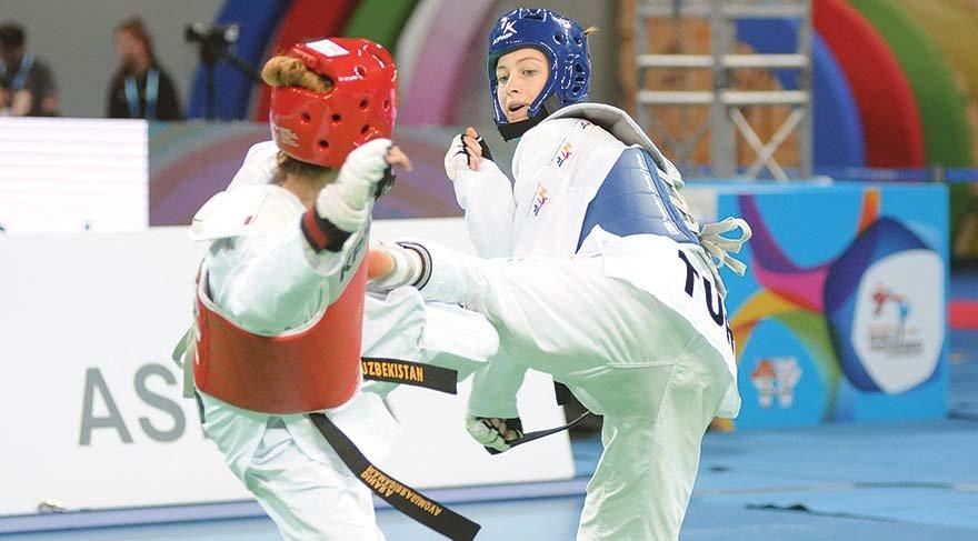 Konyalı Zeliha Ağrıs, Dünya Tekvando Şampiyonu oldu, 53 kiloda Rus rakibi Tatiana Kudashova'yı 11-8 mağlup ederek göğsümüzü kabarttı.