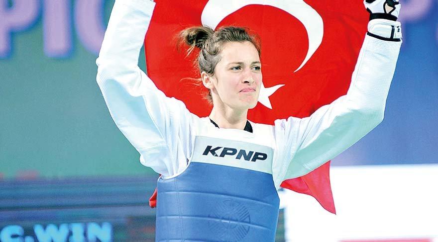 Türk kadınının güçleneceğine inanıyorum