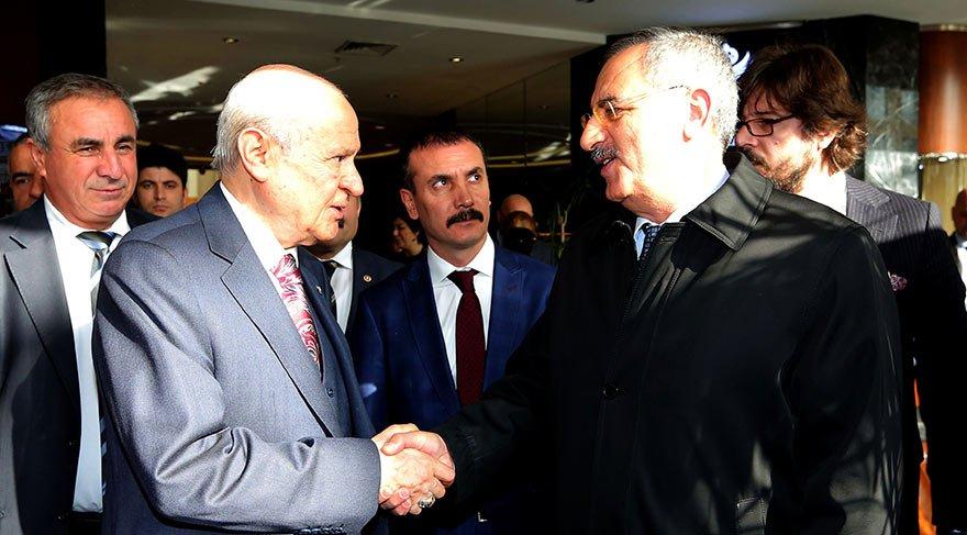 Bahçeli gündemi değerlendirdiği toplantıda Ankara Temsilcimiz ve yazarımız Saygı Öztürk'ü böyle karşıladı.