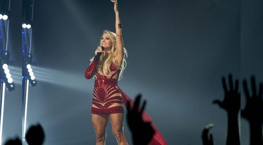 """Carrie Underwood """"Size yalan söyledim"""""""