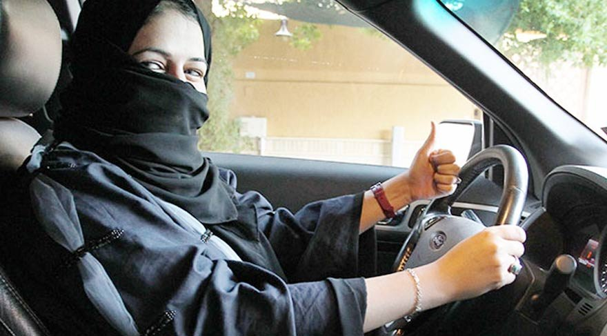 Suudi Arabistan'da devrim gibi bir karar daha! Kadınlar tek başına seyahat edebilecek