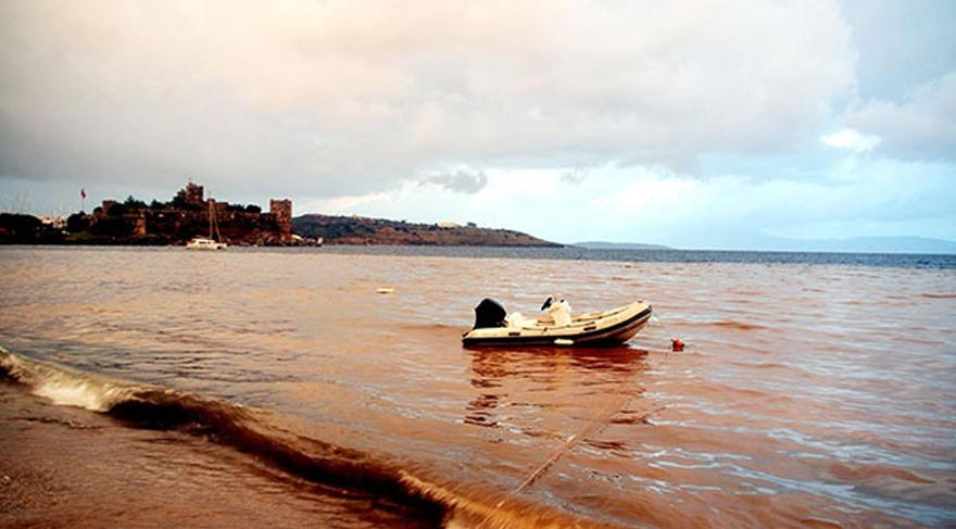Bodrum'da deniz bu hale geldi!