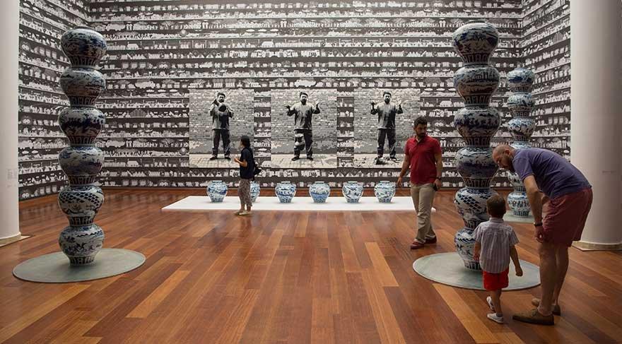 Ai Weiwei'nin sergisi talep üzerine uzatıldı