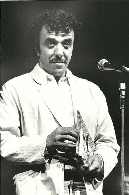 ali-ozgenturk-at-filmi-tokyo-film-festivali-buyuk-odulunu-alirken-1985