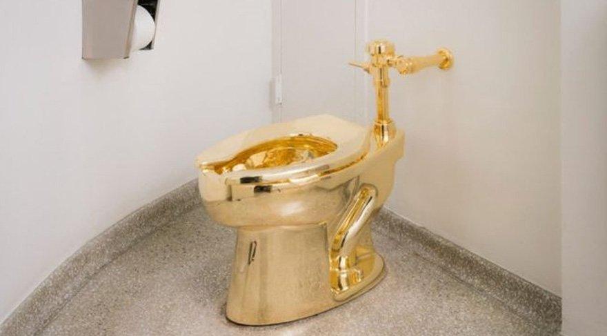 Trump Van Gogh istedi, müze altın klozet önerdi