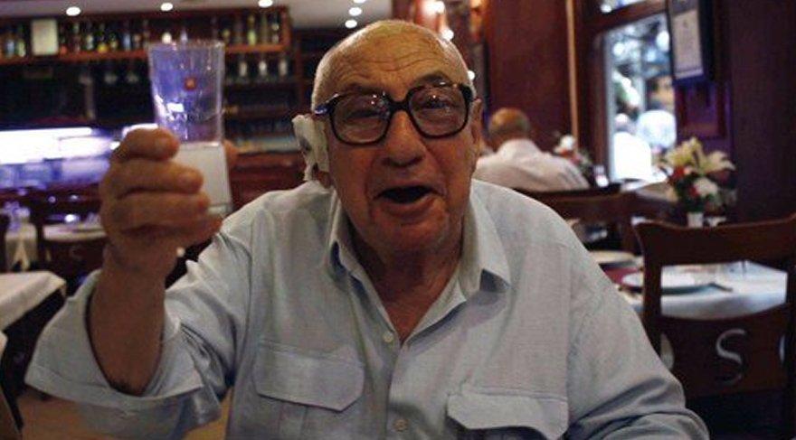 Aydın Boysan kimdir? Mimar ve gazeteci Aydın Boysan 97 yaşında hayatını kaybetti. İşte ünlülerin Boysan paylaşımları