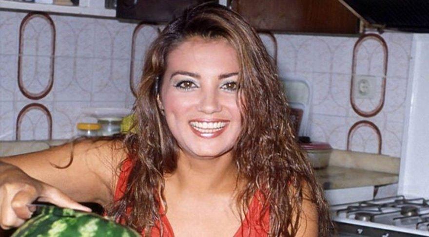 Kanser tedavisi gören Yeşilçam'ın gamzeli güzeli Bahar Öztan, tekrar hastaneye kaldırıldı!
