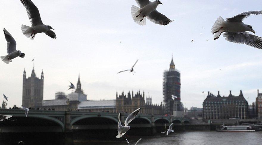 Birleşik Krallık'ta 2,300'den fazla akademisyen istifa etti