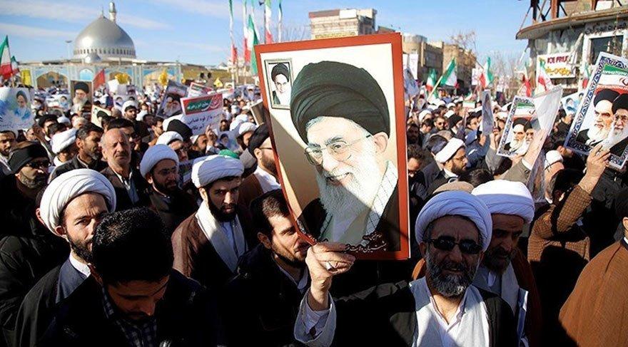 İran Devrim Muhafızları hükümet karşıtı gösterileri bastırmak için 3 kentte birlik konuşlandırdı