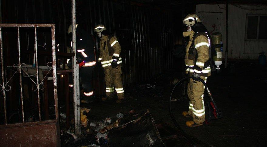 Beylikdüzü'nde barakada çıkan yangında 3 kişi hayatını kaybetti