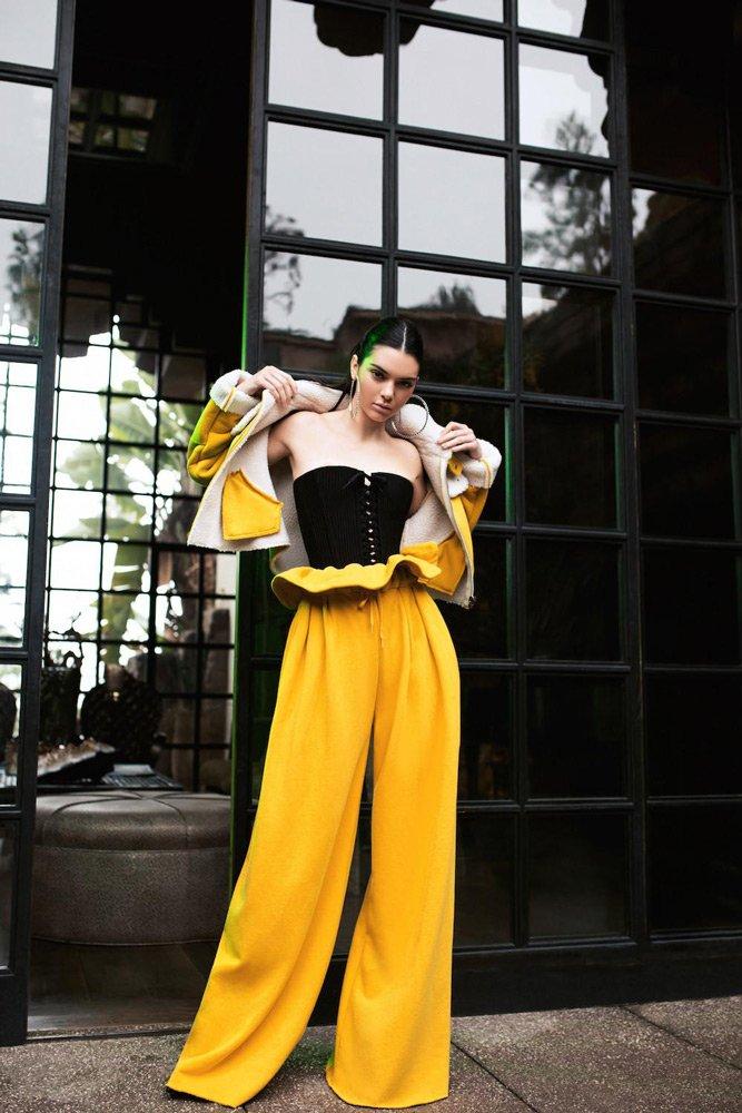BOL PAÇA PANTOLONLAR: Plazzo pantolonlar 2017'de adeta altın çağını yaşamıştı. 2018'de ise 'Wide leg' araması yüzde 213 artış sağlamış.
