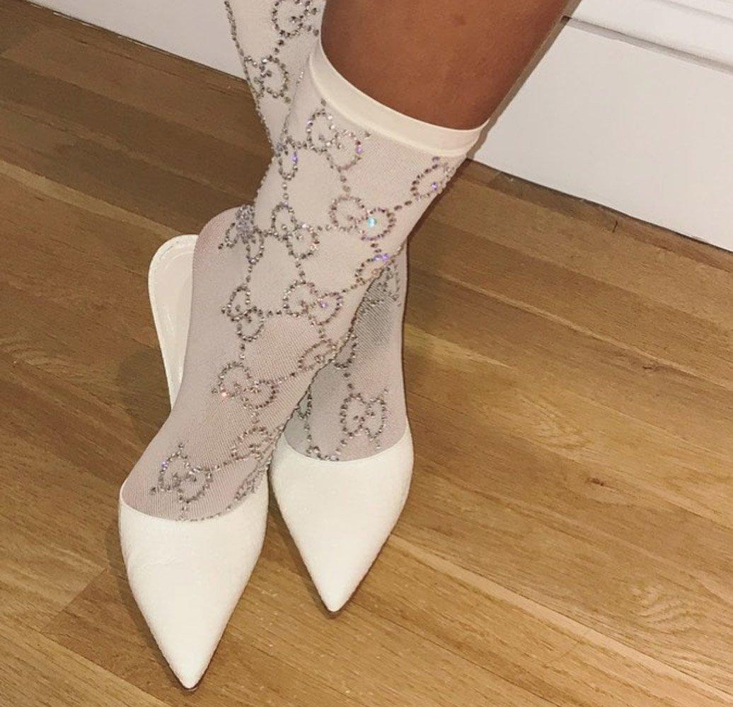 ÇORAPLAR: Son zamanlarda özellikle ayakkabı içine giyilen çoraplar oldukça popüler. Sosyal paylaşım sitesinde de 'Sheer Socks' araması yüzde 72 artmış. Şeffaf ve nefes alabilenler ise kullanıcıların favorisi...