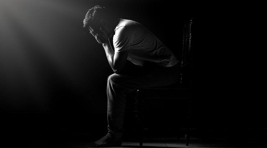 İntihar etmesinden şüphelenen kişiye nasıl yardım edilebilir?