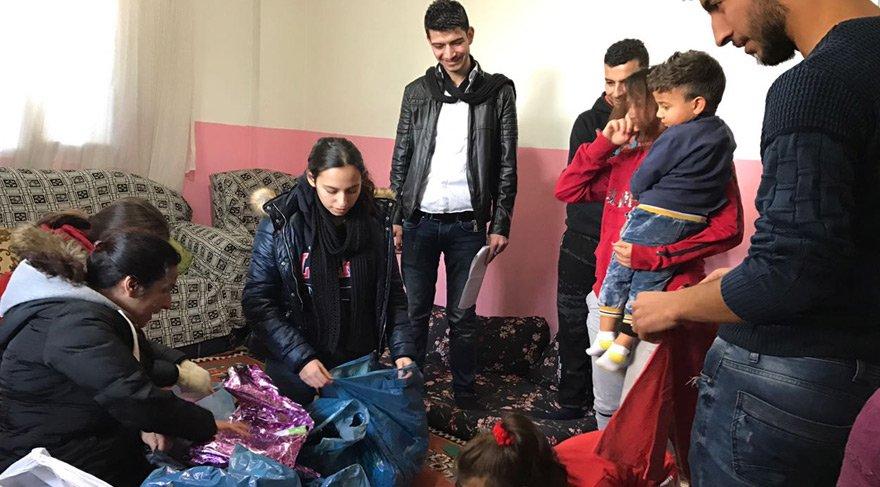 Liseli öğrencilerden Suriyeli mülteci ailelere yardım kampanyası