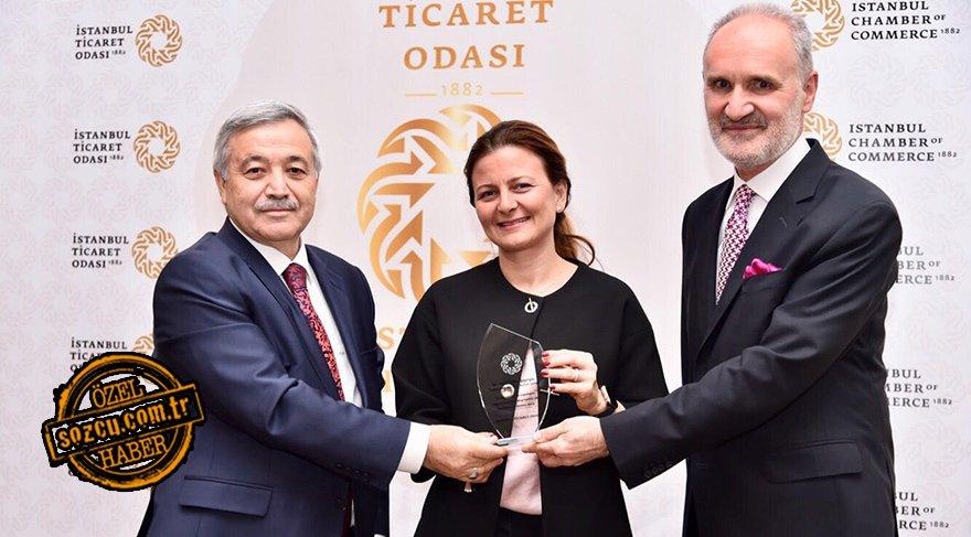 Sembol kadın Ebru Şapoğlu'na ödül