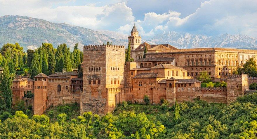 Granada'daki Elhambra Sarayı Fotoğraf: Shutterstock