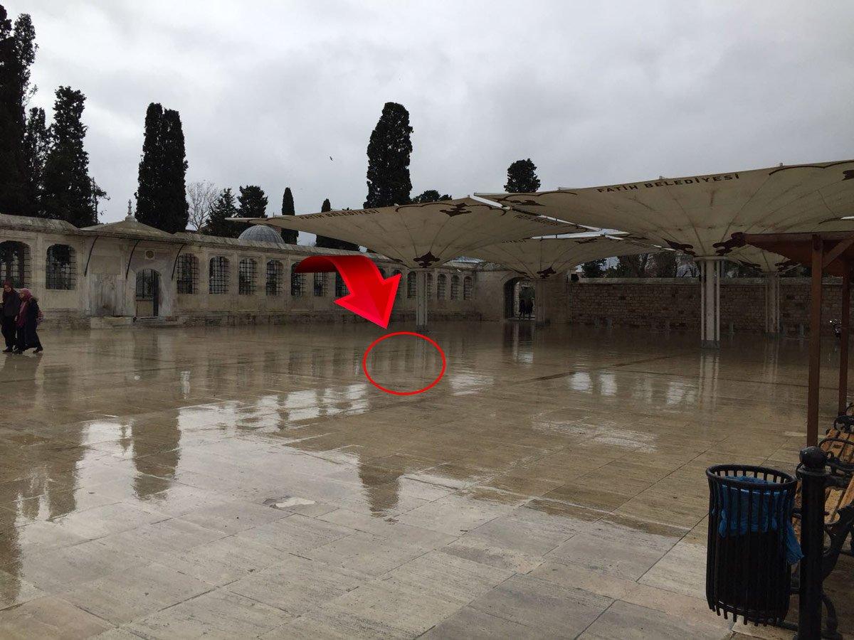 FOTO:SÖZCÜ- Oradaki taş artık kırmızı değil...