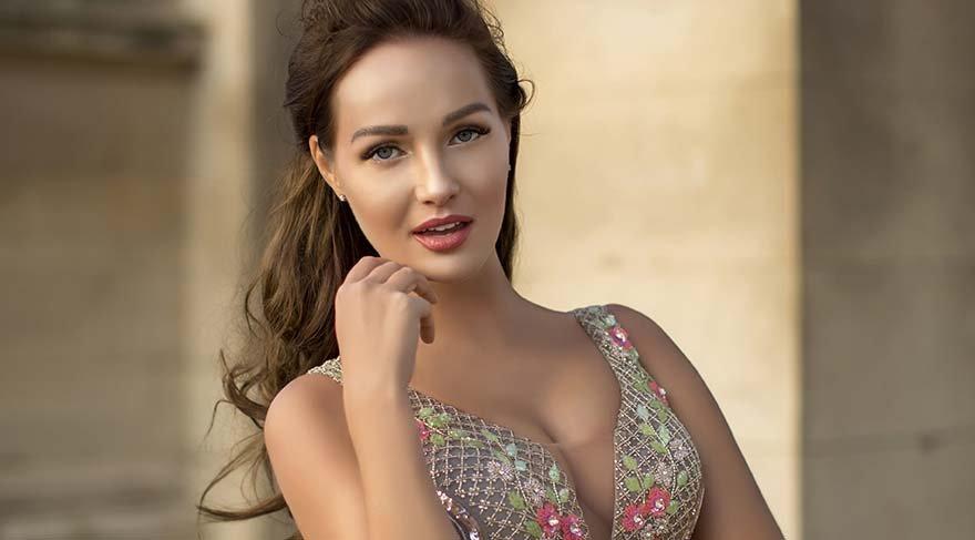Güzellik kraliçesi İzmir'e geliyor