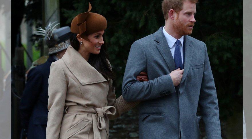 Meghan Markle'ın Noel günü giydiği elbise merak konusu oldu