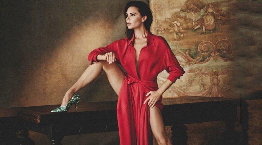 Victoria Beckham'ın Vogue İspanya dergisine verdiği seksi pozlar çok konuşuldu