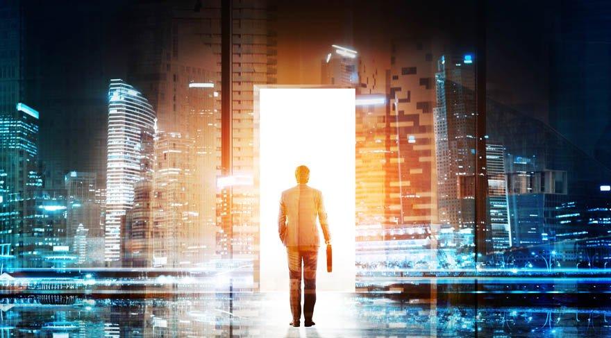 Evrenin kapıları aşk, para ve güç için açılıyor!