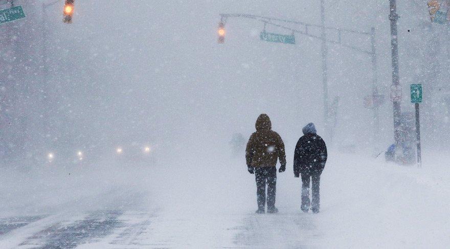 ABD kar fırtınasına teslim!