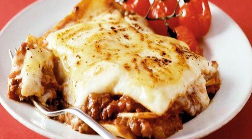 Lazanya nasıl yapılır? İşte en lezzetli en kolay lazanya tarifi!