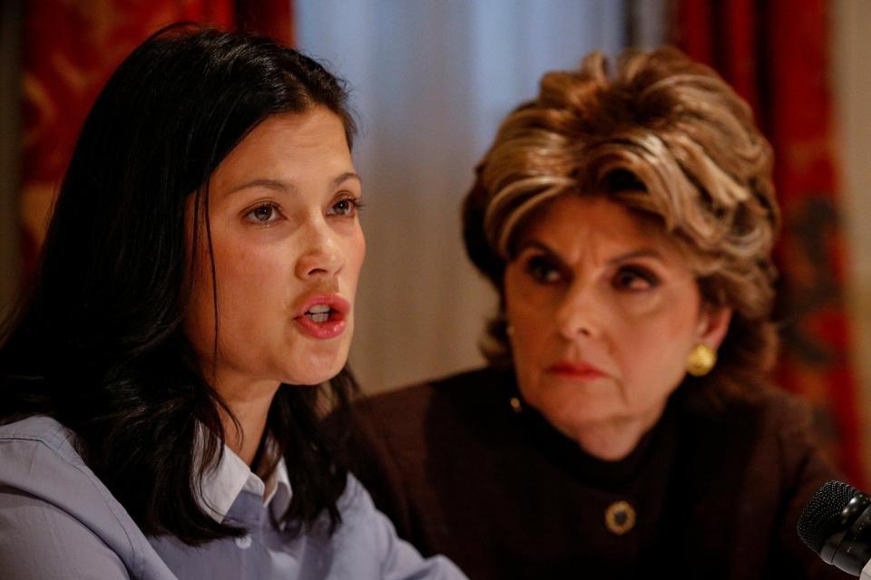 NATASSIA MALTHE Taciz skandalının merkezindeki isim olan 65 yaşındaki yapımcı Harvey Weinstein hakkında son iddia Norveçli aktris Natassia Malthe'den geldi. Düzenlediği basın toplantısında gözyaşlarını tutamayan 43 yaşındaki Norveçli oyuncu, Harvey Weinstein'ın 2008 yılındaki BAFTA ödüllerinin ardından Londra'daki otel odasını bastığını ve tecavüze uğradığını öne sürdü.