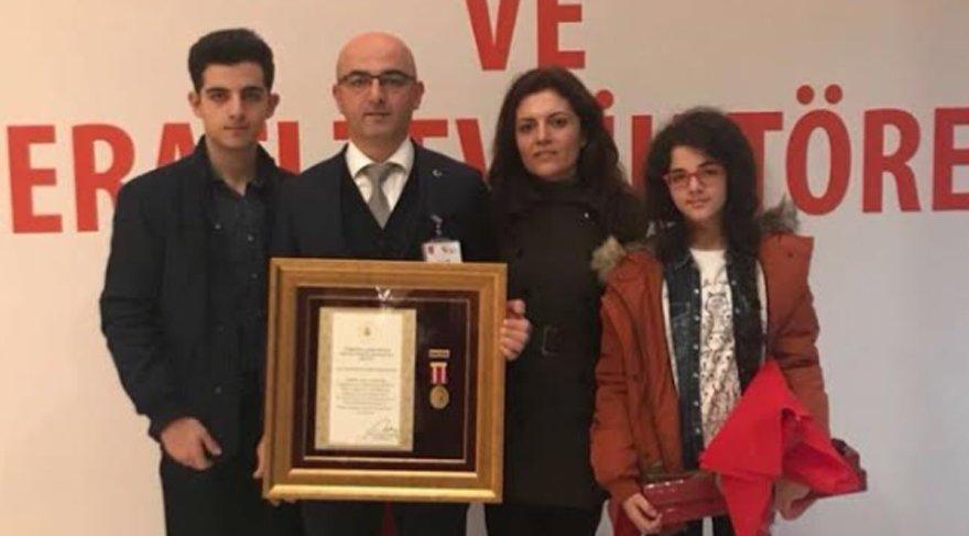 İYİ Parti kurucusu 15 Temmuz Gazisine Devlet Övünç Madalyası verildi