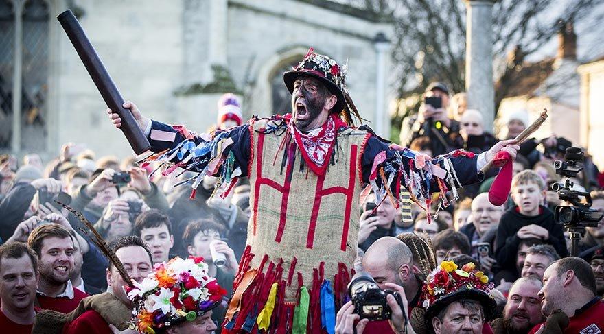 İngiltere'de 700 yıllık ilginç gelenek
