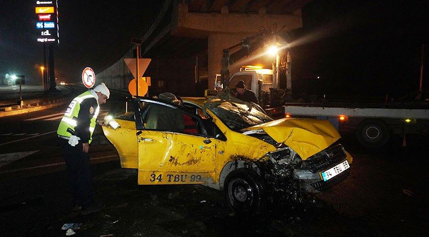 Kaçakları taşıyan ticari taksi devrildi! 7 yaralı