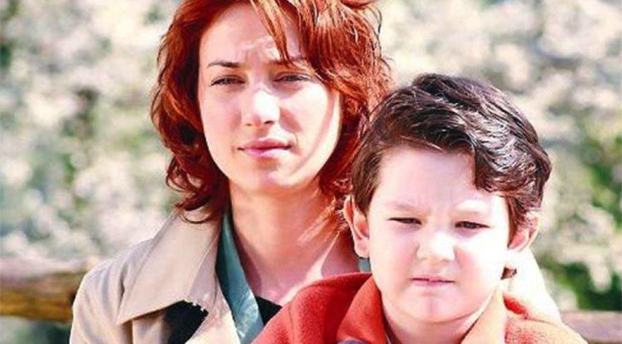 Sanem Çelik: 2004'den 2018'e… Canım oğlum sete ziyaretime geldi