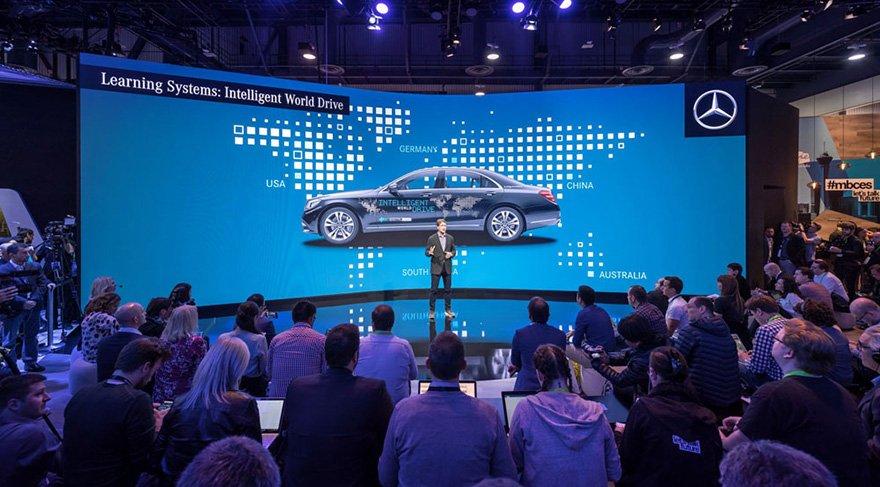 Mercedes-Benz, yeni multimedya sistemini tanıttı