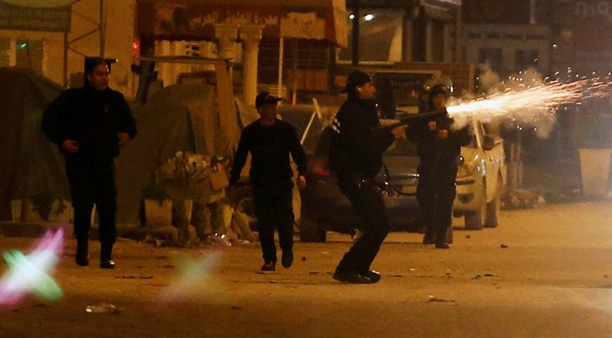 Tunus yanıyor: 600'den fazla gözaltı var