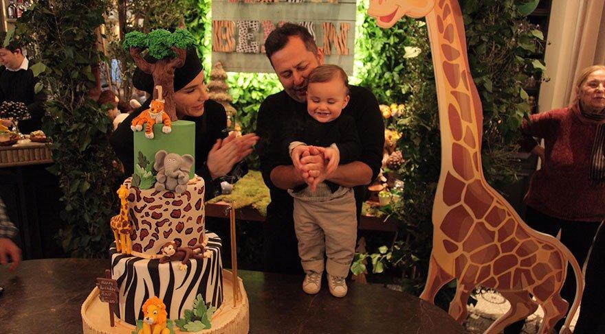 Gülşen ve Ozan Çolakoğlu oğullarının doğum gününü kutladı