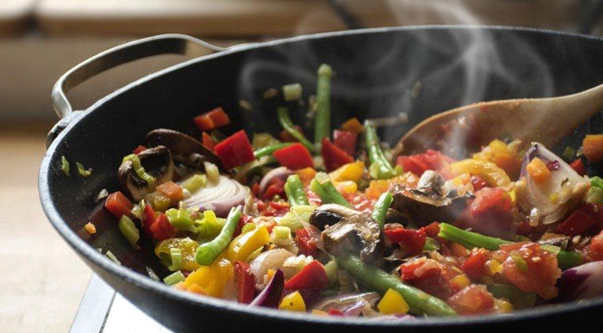 Hızlı, basit ve sade malzemelerle yapılan yemekler: Öğrenci amaciyla basit aş tarifleri