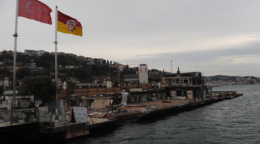 Galatasaray taraftarı olanı da olmayanı da üzen manzara: Çöp ada